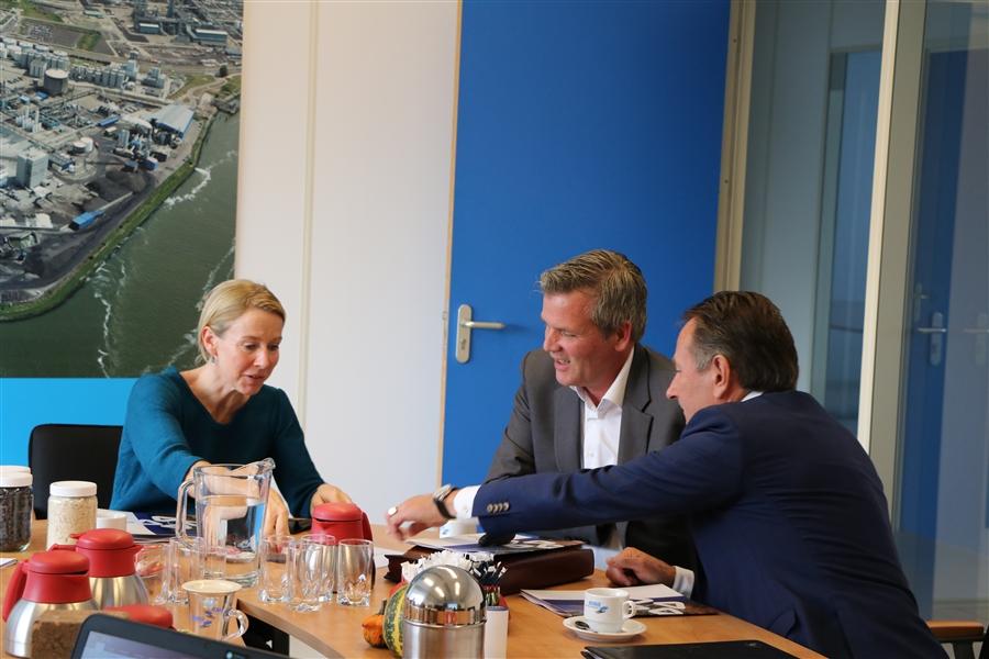 Bezoek Stientje van Veldhoven aan REKO
